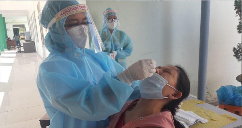 Quảng Nam đang khẩn trương truy vết, lấy mẫu xét nghiệm những khu vực liên quan đến các ca dương tính được công bố.